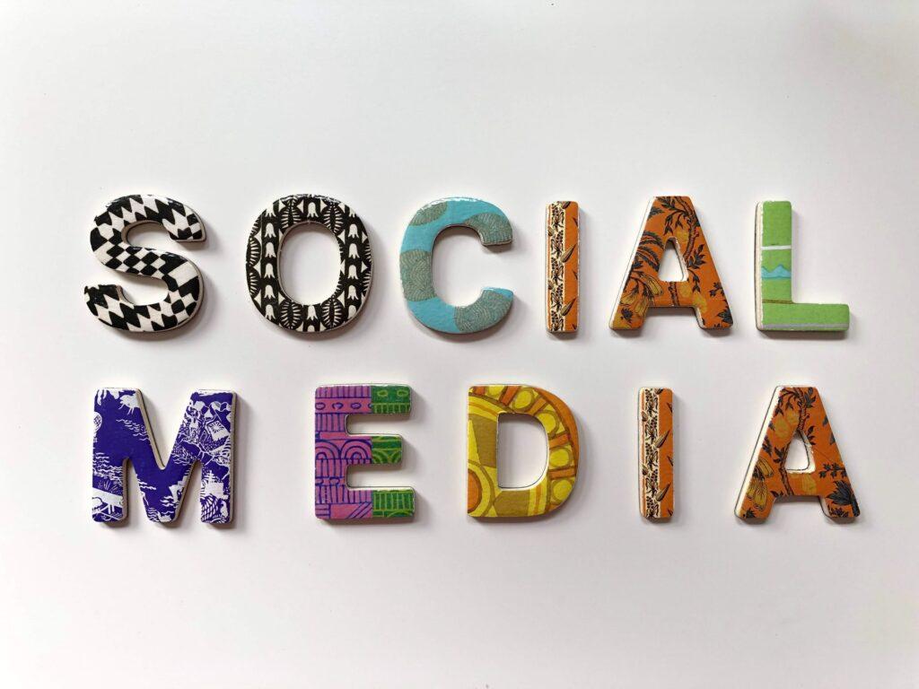 Website Vs Sosial media mana yang lebih efektif untuk bisnis dan berjualan