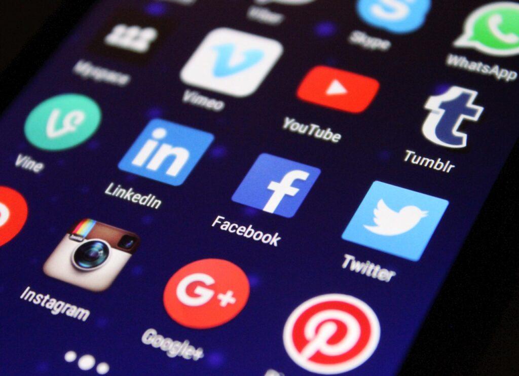 Cara mengintegrasikan facebook ke website bisnis