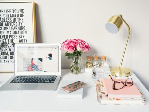 Contoh website perusahaan dan toko online